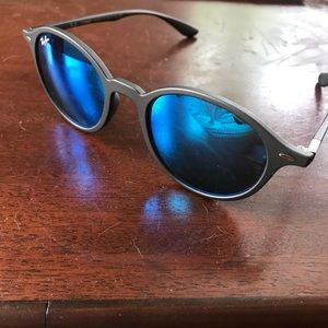Ray Ban Liteforce 4237